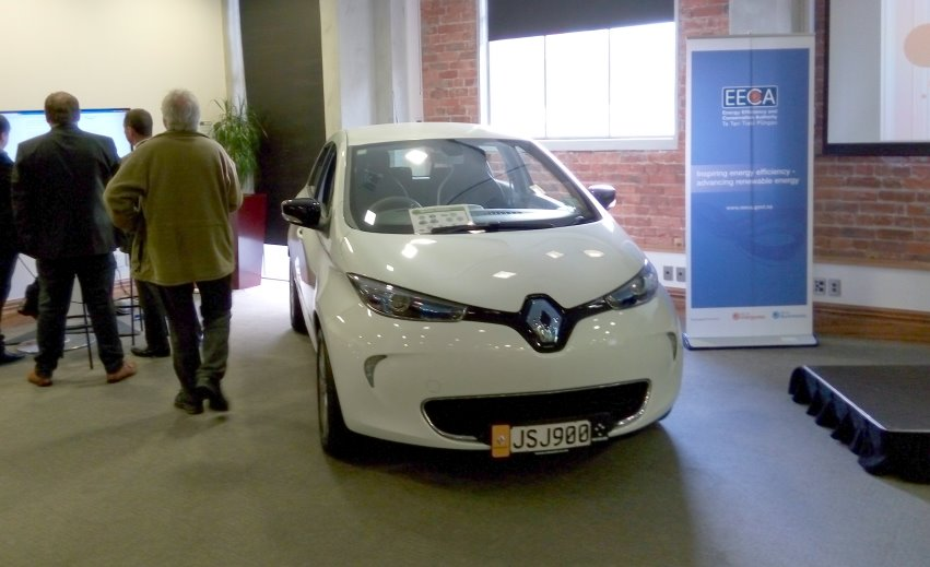 New Zealand gets first Renault Zoé glimpse at Leading the Charge event in Wellington